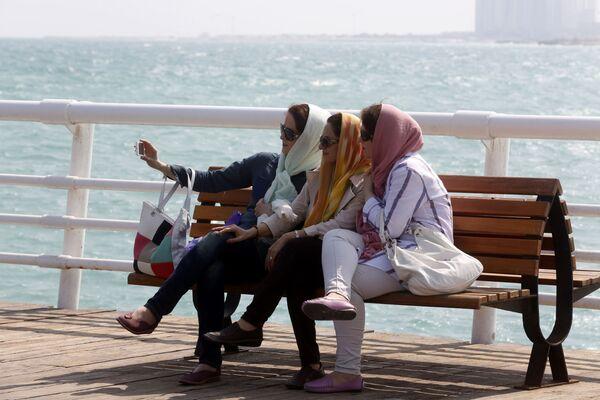 Turiste nell'isola di Kish nel Golfo Persico - Sputnik Italia