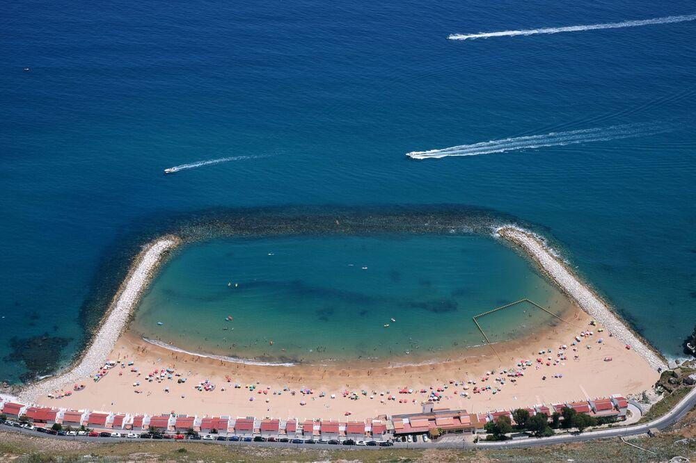 Vista sulla spiaggia di Sandy Bay a Gibilterra