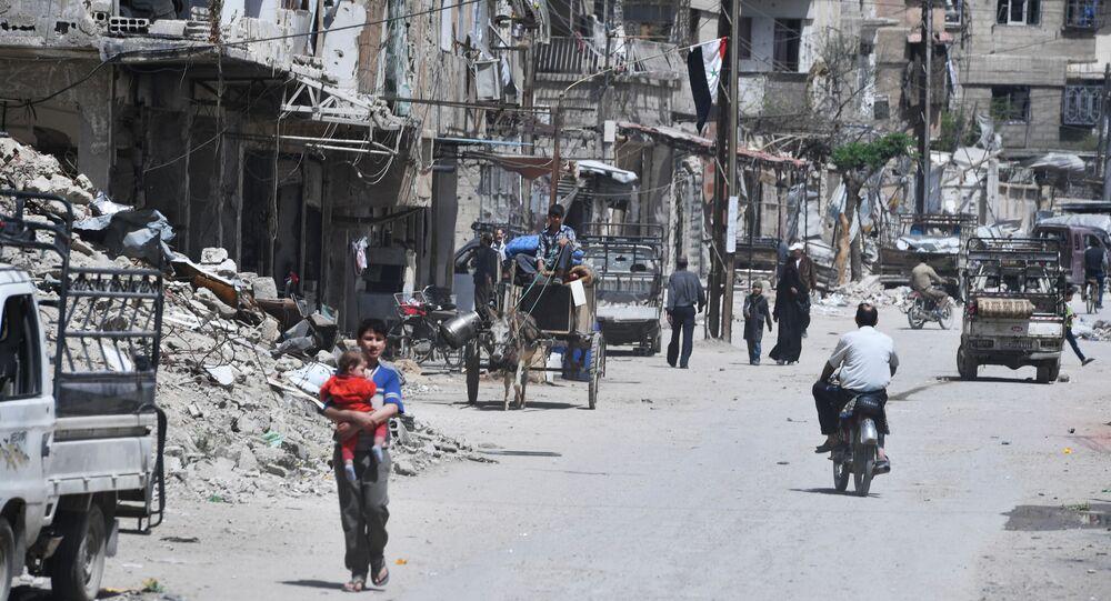 Il sobborgo di Damasco Douma visto dopo essere stato liberato dai militanti.