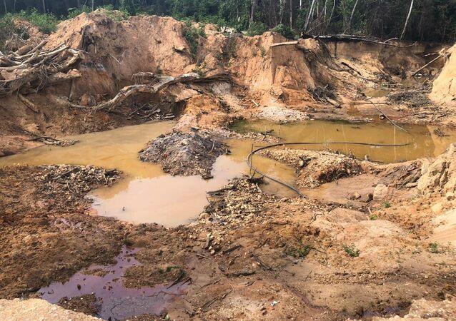 Mato Grosso: estrazione illegale d'oro