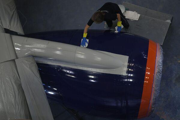 Aeroflot vernicia i suoi SSJ-100. - Sputnik Italia