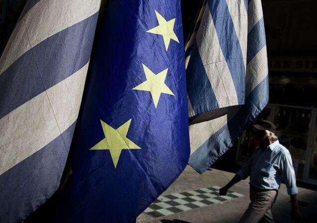 Bandiere della Grecia e dell'UE
