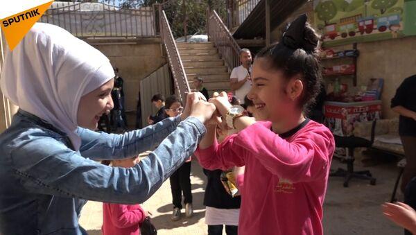 La ragazza siriana senza gambe - Sputnik Italia