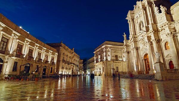 Piazza del Duomo a Siracusa - Sputnik Italia
