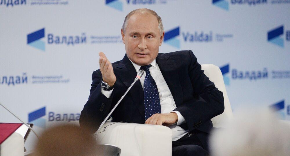 Vladimir Putin all'incontro del Valdai Club