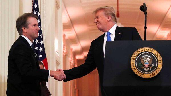 U.S. President Donald Trump introduces his Supreme Court nominee judge Brett Kavanaugh in the East Room of the White House in Washington - Sputnik Italia