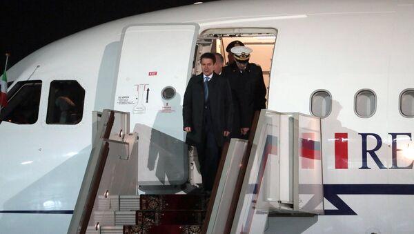Giuseppe Conte arriva a Mosca - Sputnik Italia