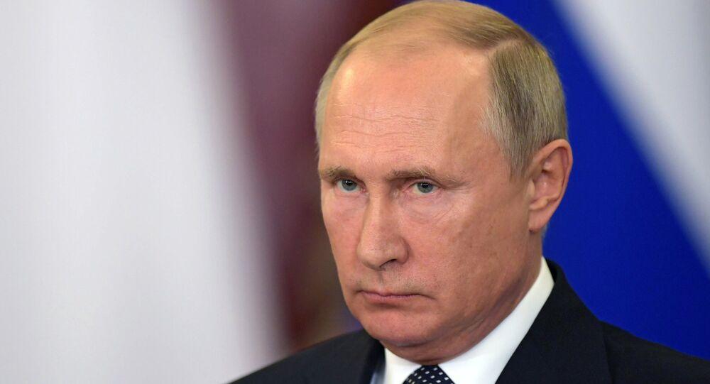 Vladimir Putin durante la conferenza stampa con il premier italiano Giuseppe Conte