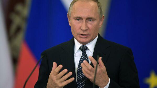 Vladimir Putin durante la conferenza stampa con il premier italiano Giuseppe Conte - Sputnik Italia