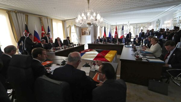 Ottobre 27, 2018, L'incontro sulla Siria tra Vladimir Putin, Emmanuel Macron, Angela Merkel e Recep Tayyip Erdogan - Sputnik Italia