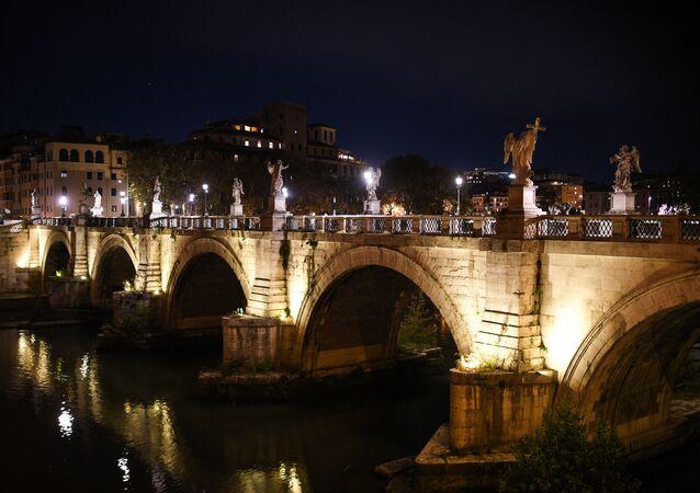 Il Ponte Sant'Angelo, Roma, Italia
