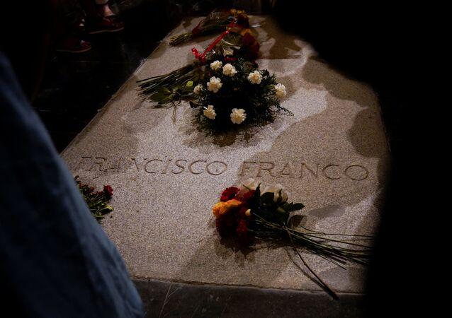 Tomba del generale Franco nella Valle de los Caidos