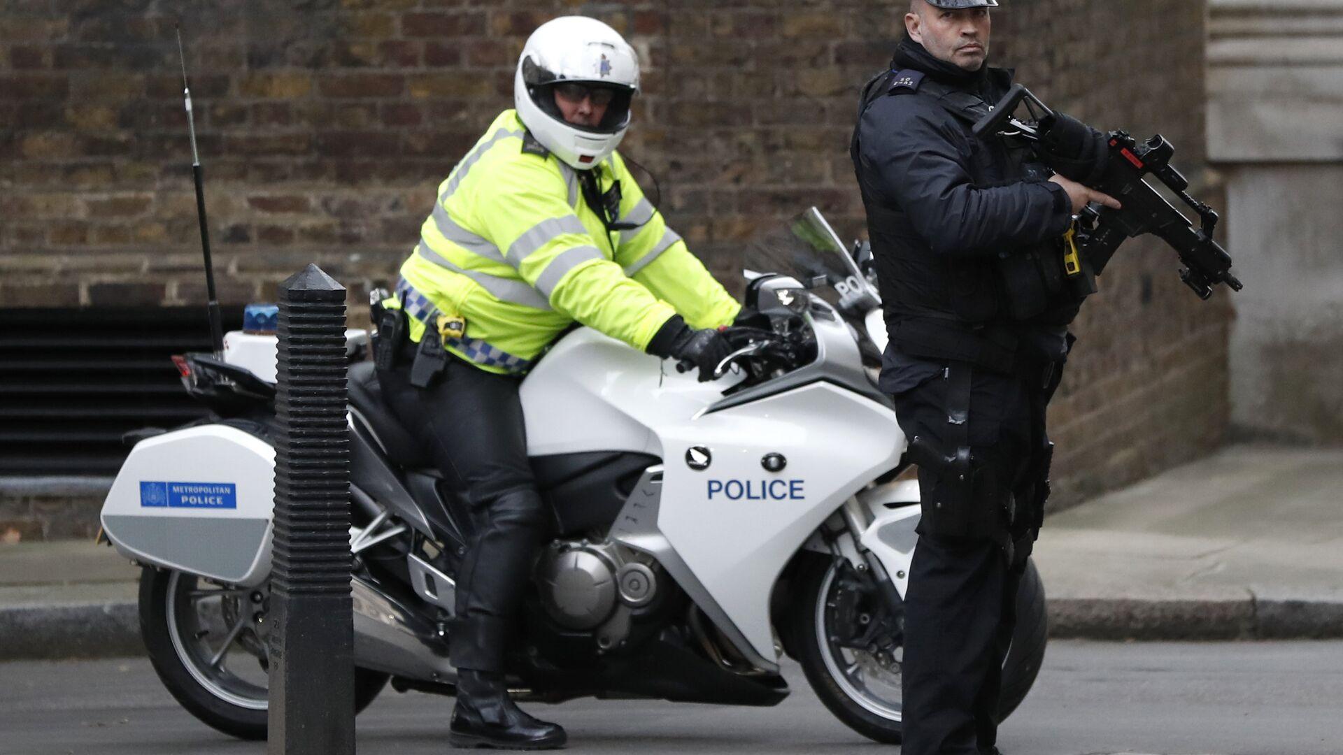 Agenti della polizia di Londra - Sputnik Italia, 1920, 07.08.2021