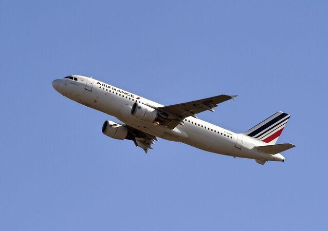 Un drone a failli percuter un Airbus A320 d'AirFrance près de l'aéroport de Roissy, le 19 février