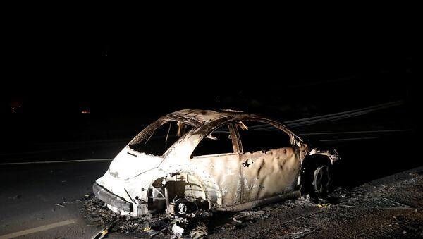 Macchina abbandonata in California durante l'incendio - Sputnik Italia