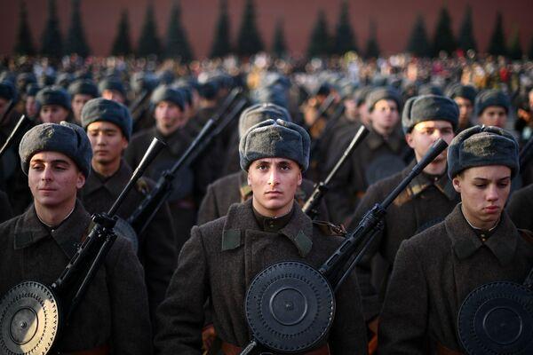 La parata militare dedicata alla parata storica del 7 novembre 1941, Mosca. - Sputnik Italia