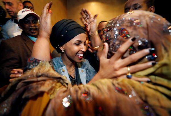 Ilhan Omar dopo esser stata eletta alla Camera dei Rappresentanti, Minnesota. - Sputnik Italia