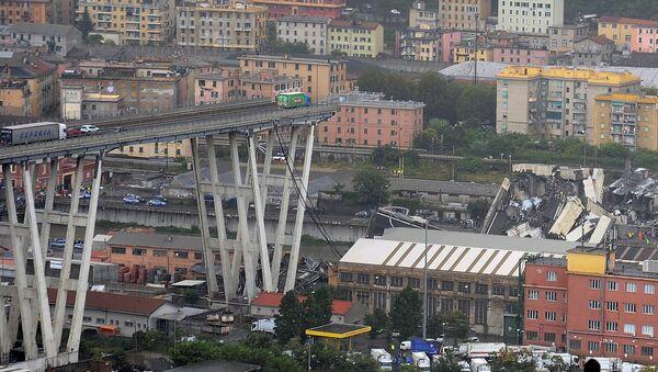 The collapsed Morandi Bridge is seen in the Italian port city of Genoa August 14, 2018 - Sputnik Italia