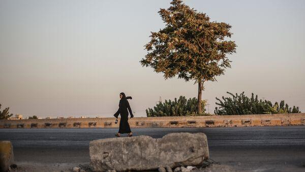 Una donna siriana - Sputnik Italia