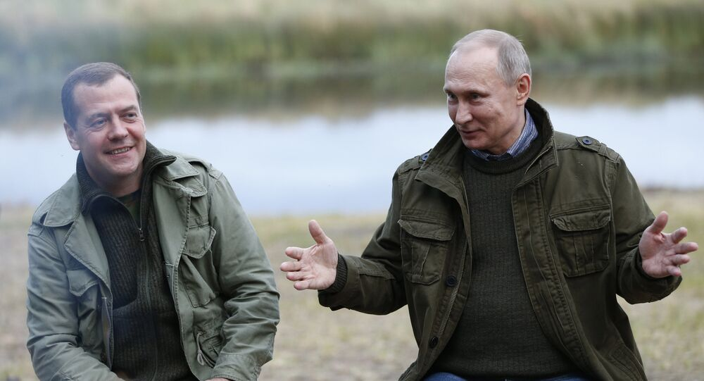 Putin e Medvedev (foto d'archivio)