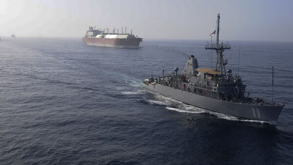 La flotta USA  accompagna la petroliera GNL - Sputnik Italia