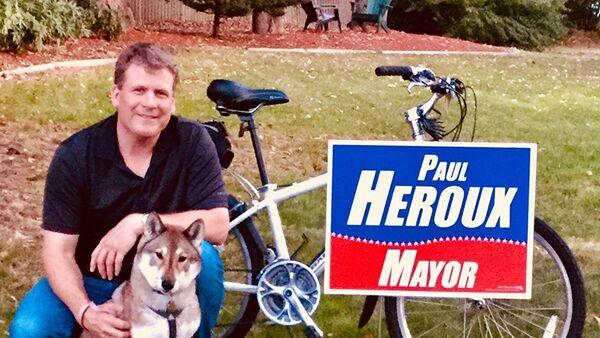 Paul Heroux con il suo cane - Sputnik Italia