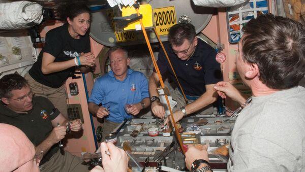 Astronauti a bordo della ISS - Sputnik Italia
