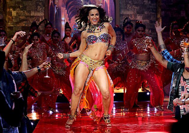 Attrice del Bollywood indiano Elli Avram.