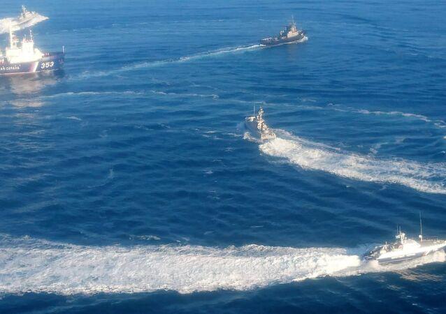 Le navi ucraine violano il confine russo