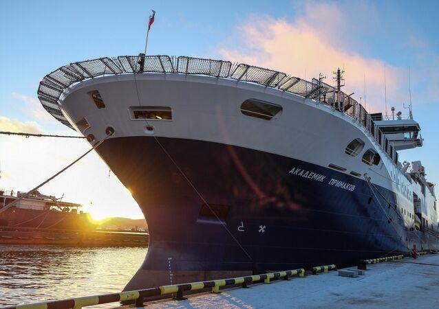 La nave Academic Primakov