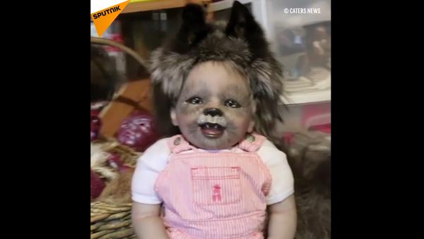 Le bambole di Julia Hamill assomigliano ai bambini-mostri. - Sputnik Italia