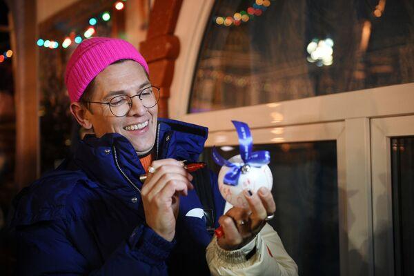 Il stilista Vlad Licovets alle celebrazioni. - Sputnik Italia
