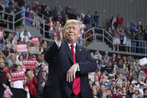 Il presidente americano Donald Trump a Biloxi, Stato del Mississippi. - Sputnik Italia