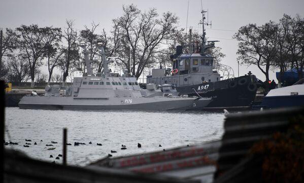 Le navi ucraine sequestrate: Nikopol, Berdyansk e Yani Kapu. - Sputnik Italia
