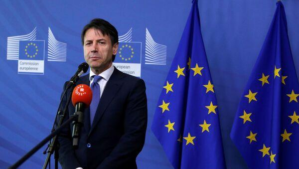 Il primo ministro italiano Giuseppe Conte a Bruxelles - Sputnik Italia