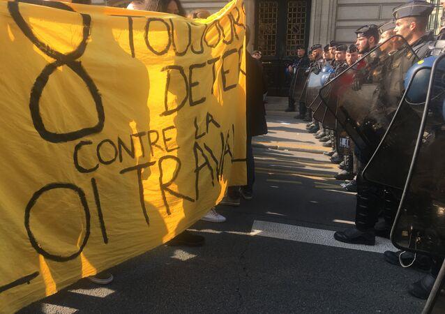 Proteste alla Sorbona (foto d'archivio)