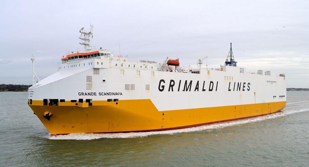 Una nave della Grimaldi Lines