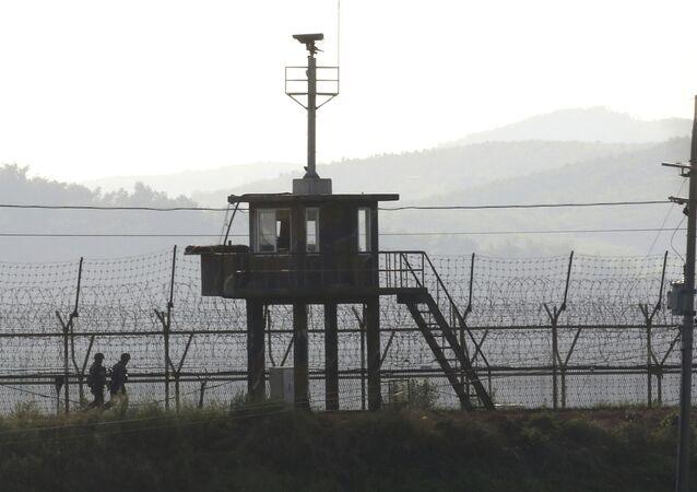 Postazione militare al confine tra le due Coree