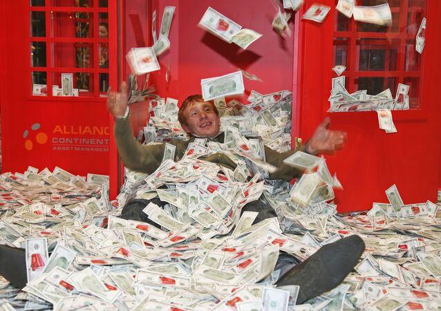 Alla fiera degli oggetti di lusso Millionaire Fair a Mosca. (foto d'archivio)