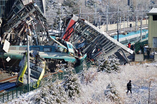 Un treno ad alta velocità è deragliato ad Ankara, Turchia. - Sputnik Italia