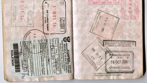 Un passaporto vissuto - Sputnik Italia