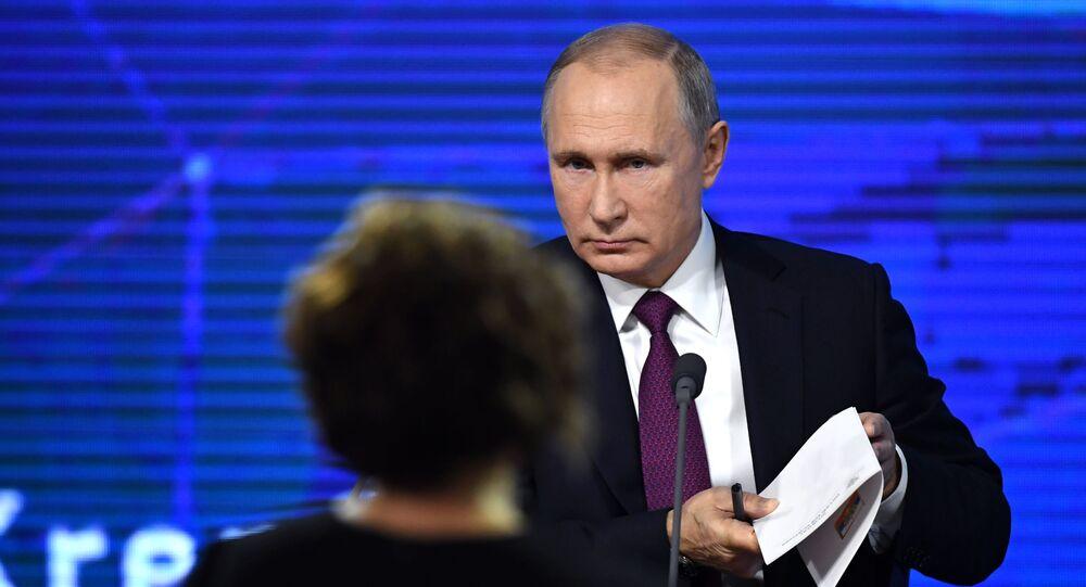Il presidente Vladimir Putin alla conferenza stampa annuale.