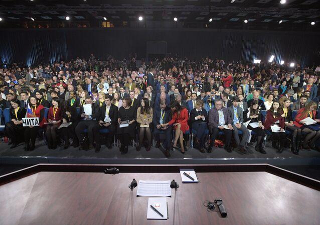 La sala che ospita la conferenza stampa vista dalla scrivania del presidente Putin