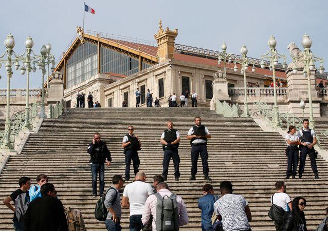 Polizia a Marsiglia (foto d'archivio)