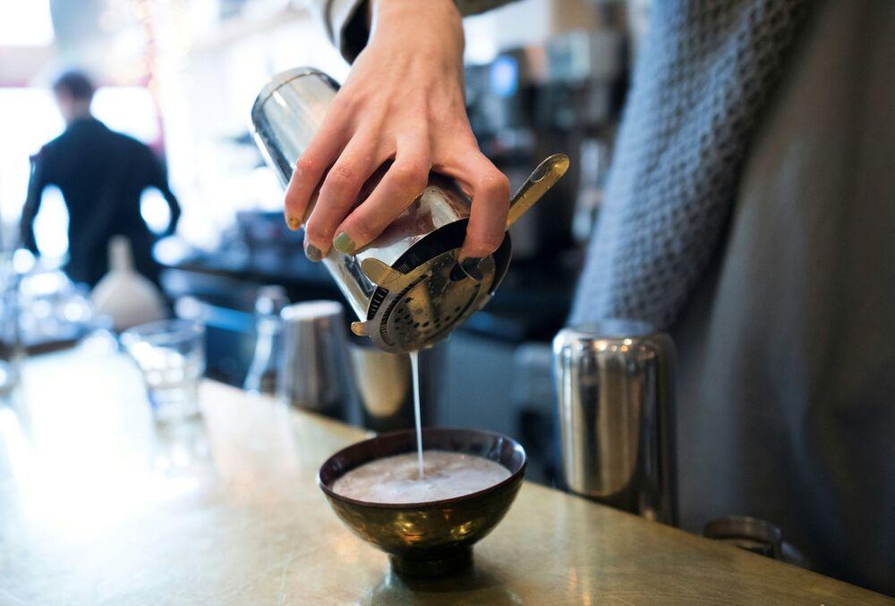 Kava - bevanda diffusa nelle isole del Pacifico e Australia (succo estratto da una radice dagli effetti rilassanti e benefici)