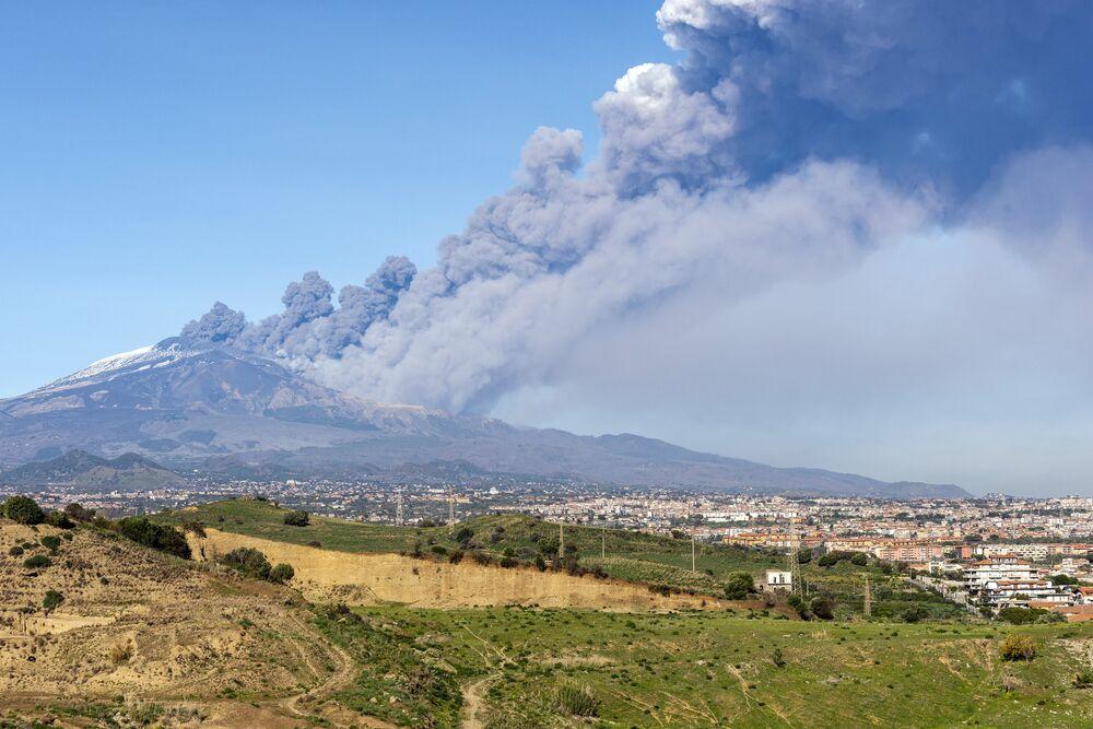 Nube di fumo all'Etna, il 24 dicembre 2018