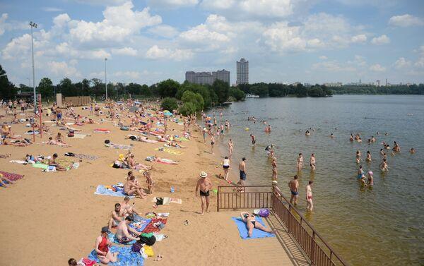 Spiaggi di Stroghinskaya sul fiume Moscova - Sputnik Italia