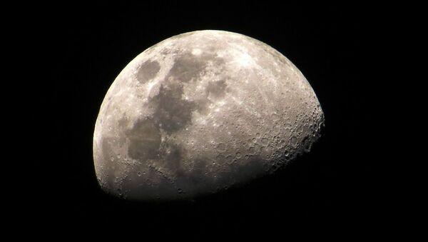 La Luna - Sputnik Italia