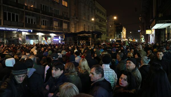 Migliaia di serbi in manifestazione contro il proprio presidente - Sputnik Italia