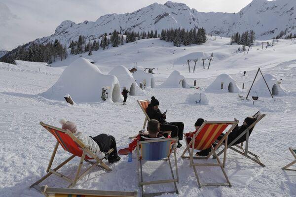 Igloo Village di San Simone a Valleve. - Sputnik Italia
